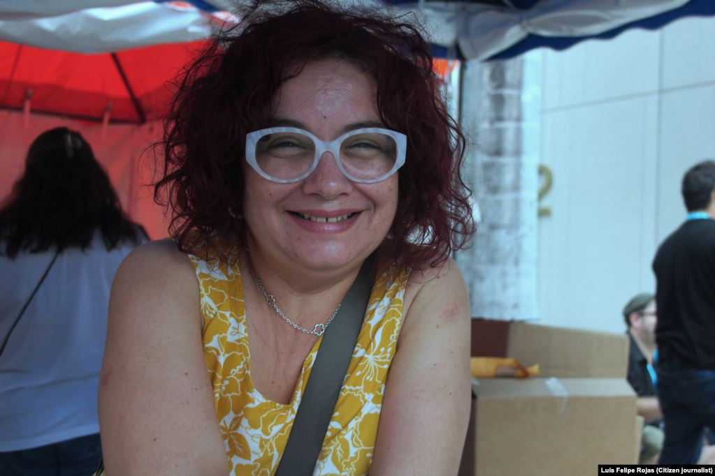 Verónica Cervera, escritora cubana. Foto: Luis F. Rojas, Nov. 2015, Miami.